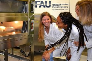 "Towards entry ""Engineers at FAU develop new baking method for improved energy efficiency in ovens"""